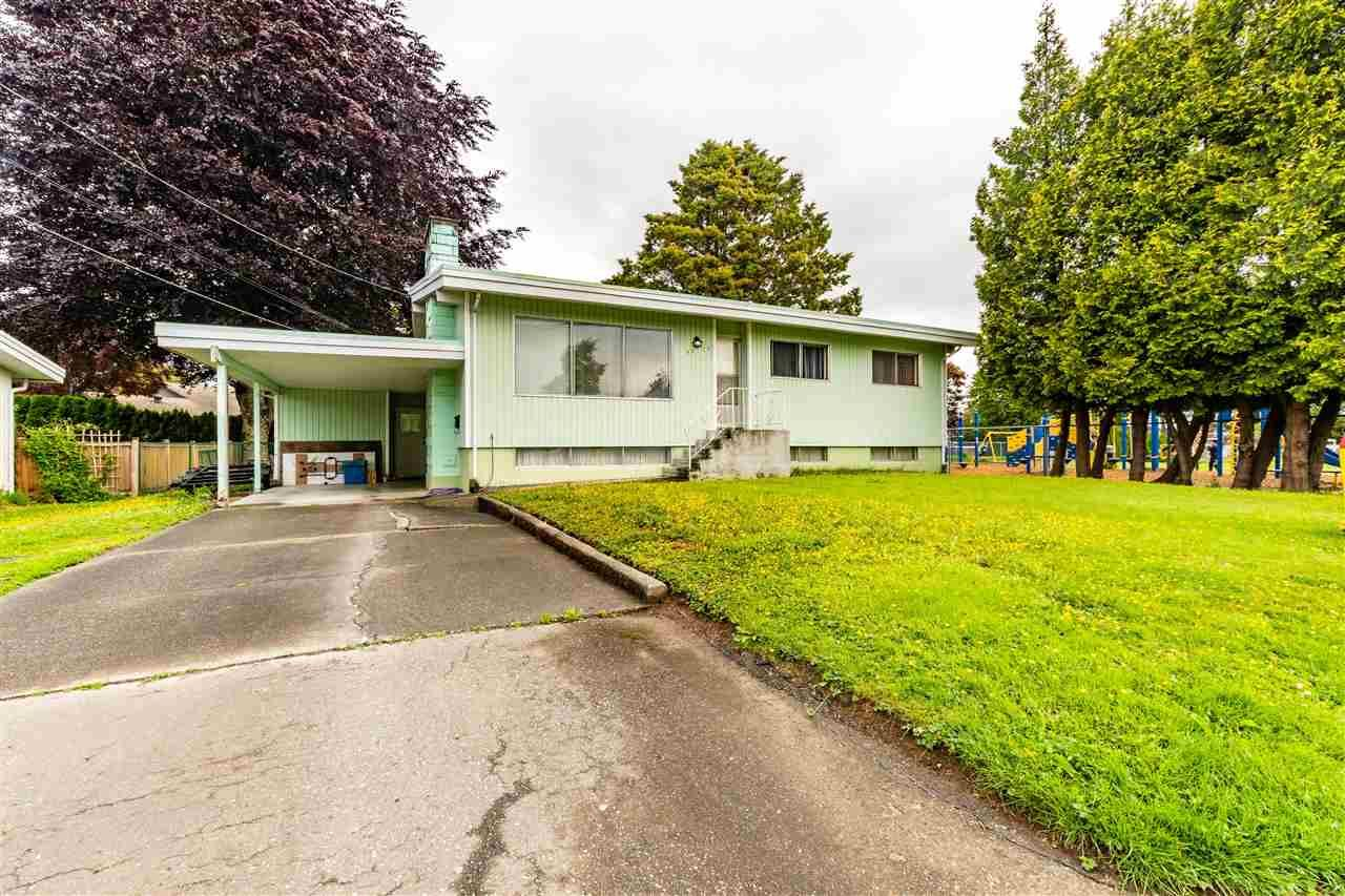 Main Photo: 46125 SOUTHLANDS Drive in Chilliwack: Chilliwack E Young-Yale House for sale : MLS®# R2592006