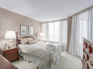 """Photo 10: 301 2189 W 42ND Avenue in Vancouver: Kerrisdale Condo for sale in """"GOVERNOR POINT"""" (Vancouver West)  : MLS®# R2098848"""