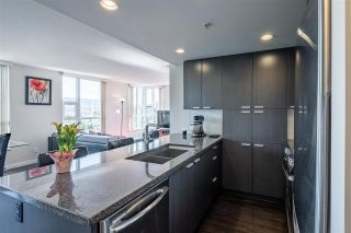 """Photo 13: 1901 2200 DOUGLAS Road in Burnaby: Brentwood Park Condo for sale in """"AFFINITY"""" (Burnaby North)  : MLS®# R2457772"""