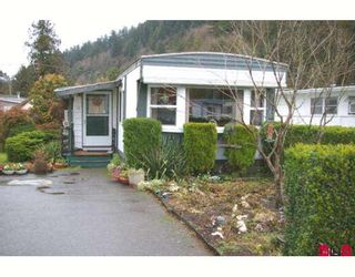 """Photo 1: 10 45715 ALMA Avenue in Sardis: Vedder S Watson-Promontory Manufactured Home for sale in """"FIRCREST MHP"""" : MLS®# H2705080"""