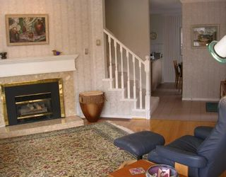 Photo 3: 2 224 W 16TH Street in North_Vancouver: Central Lonsdale Townhouse for sale (North Vancouver)  : MLS®# V731001