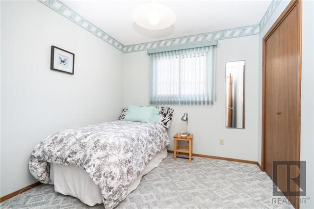 Photo 8: Photos: 476 Emerson Avenue in Winnipeg: Residential for sale (3G)  : MLS®# 1828027