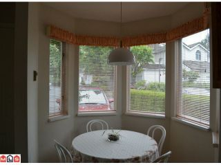 """Photo 5: 1 10062 154TH Street in SURREY: Guildford Townhouse for sale in """"WOODLAND GROVE"""" (North Surrey)  : MLS®# F1215581"""