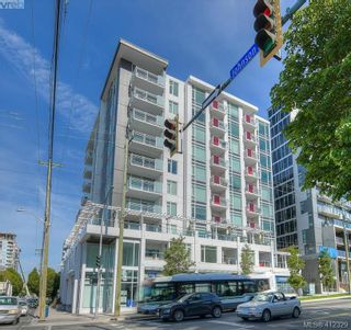 Photo 2: 204 1090 Johnson St in VICTORIA: Vi Downtown Condo for sale (Victoria)  : MLS®# 817629