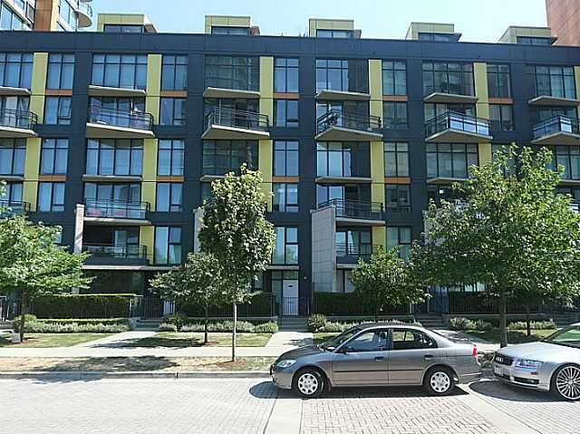 """Main Photo: 305 29 SMITHE Mews in Vancouver: Yaletown Condo for sale in """"COOPERS LOOKOUT"""" (Vancouver West)  : MLS®# V1139526"""