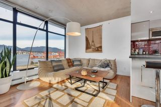 """Photo 4: 2110 128 W CORDOVA Street in Vancouver: Downtown VW Condo for sale in """"WOODWARDS W43"""" (Vancouver West)  : MLS®# R2394432"""