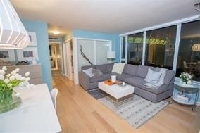 Photo 5: 806 - 8 Smithe Mews in Vancouver: Yaletown Condo for sale (Vancouver West)  : MLS®# R2032861