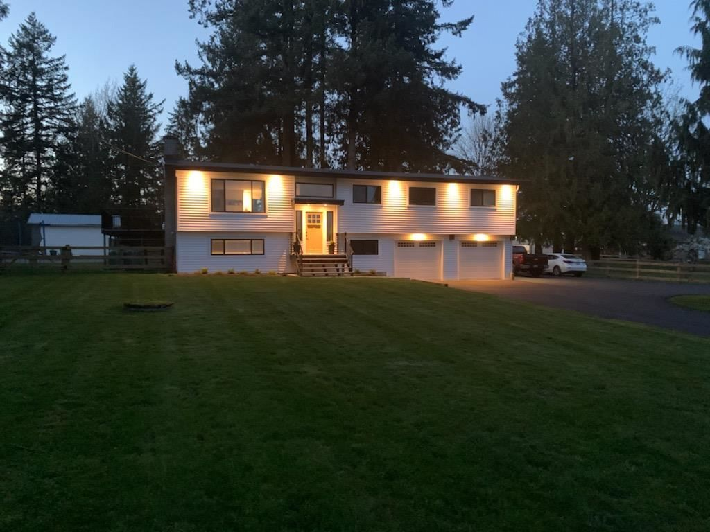 """Main Photo: 27577 84 Avenue in Langley: County Line Glen Valley House for sale in """"Glen Valley"""" : MLS®# R2575837"""