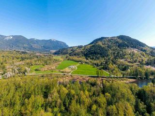 Photo 2: 11425 HODGKIN Road in Mission: Lake Errock House for sale : MLS®# R2571534