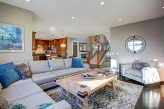 Photo 9: 2031 52 Avenue SW in Calgary: North Glenmore Park Detached for sale : MLS®# A1059510