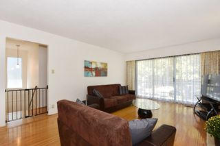 "Photo 3: 126 E 18TH Avenue in Vancouver: Main House for sale in ""MAIN"" (Vancouver East)  : MLS®# V1143362"