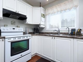 Photo 8: 2 7570 Tetayut Rd in : CS Hawthorne Manufactured Home for sale (Central Saanich)  : MLS®# 870811