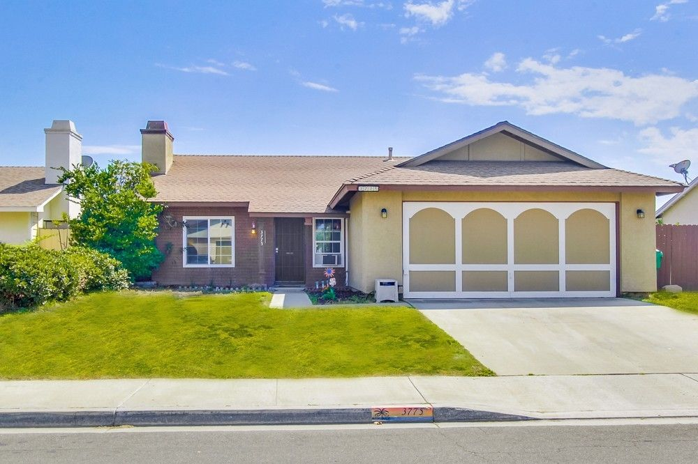 Main Photo: OCEANSIDE House for sale : 3 bedrooms : 3775 Cherrystone St
