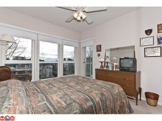 """Photo 9: # 402 1630 154TH ST in Surrey: King George Corridor Condo for sale in """"CARLTON COURT"""" (South Surrey White Rock)  : MLS®# F1202707"""