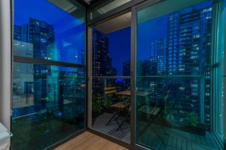 """Photo 9: 1403 928 RICHARDS Street in Vancouver: Yaletown Condo for sale in """"THE SAVOY"""" (Vancouver West)  : MLS®# R2461037"""