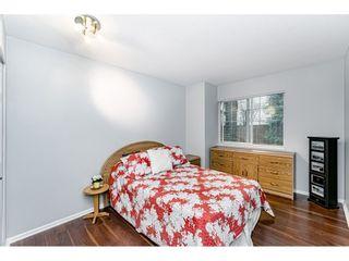 "Photo 12: 55 8892 208 Street in Langley: Walnut Grove Townhouse for sale in ""Hunters Run"" : MLS®# R2435766"