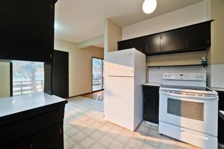 Photo 12: 51 Holland Street NW in Calgary: Highwood Semi Detached for sale : MLS®# A1131163