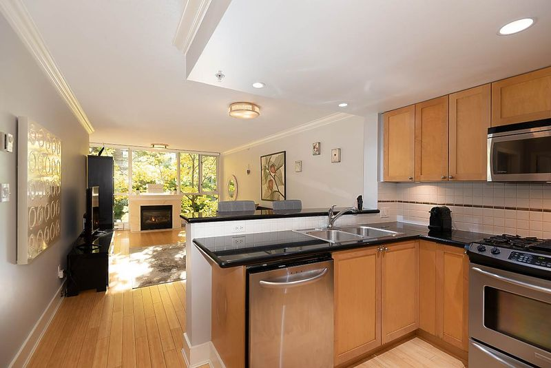 FEATURED LISTING: 206 - 1485 6TH Avenue West Vancouver