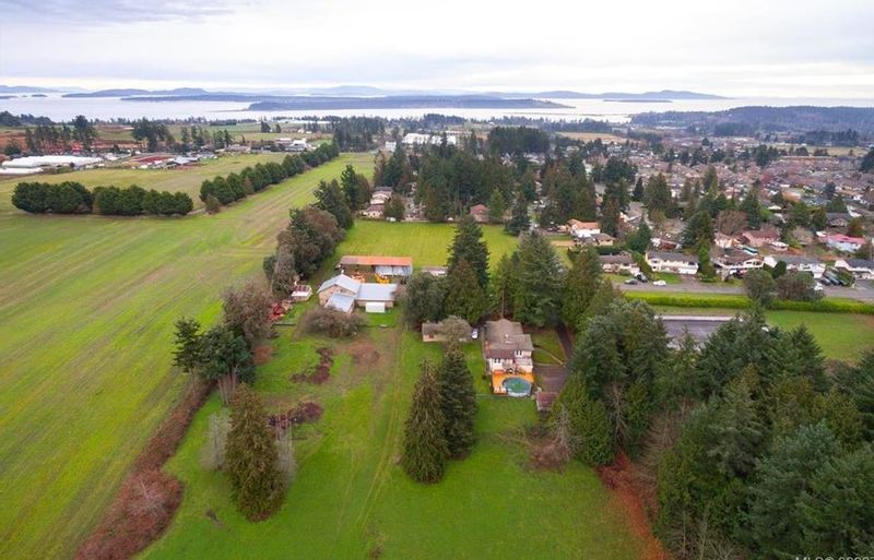 FEATURED LISTING: 1814 Jeffree Rd Central Saanich