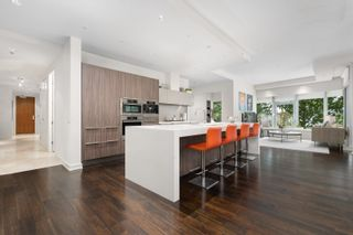 Photo 5: 202 181 ATHLETES Way in Vancouver: False Creek Condo for sale (Vancouver West)  : MLS®# R2615013