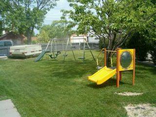 Photo 5: 517 WILLIAM NEWTON Avenue in Winnipeg: East Kildonan Single Family Detached for sale (North East Winnipeg)  : MLS®# 2608613