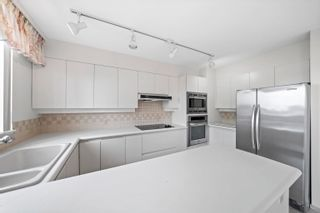 """Photo 11: 503 2189 W 42ND Avenue in Vancouver: Kerrisdale Condo for sale in """"Governor Point"""" (Vancouver West)  : MLS®# R2622142"""