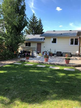 Photo 3: 41 23rd Street West in Battleford: Residential for sale : MLS®# SK814193