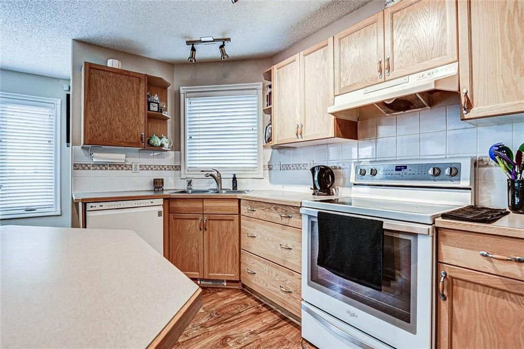 Photo 9: Photos: 25 THORNLEIGH Way SE: Airdrie Detached for sale : MLS®# C4282676