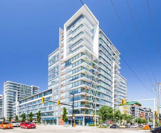 """Photo 1: 1406 1783 MANITOBA Street in Vancouver: False Creek Condo for sale in """"Residences at West"""" (Vancouver West)  : MLS®# R2457734"""