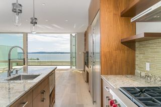 Photo 5: 15048 BUENA VISTA AVENUE in South Surrey White Rock: White Rock Home for sale ()  : MLS®# R2181064