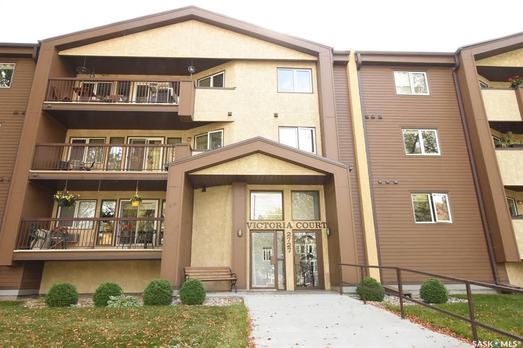 Main Photo: 205 2727 Victoria Avenue in Regina: Cathedral RG Residential for sale : MLS®# SK868416