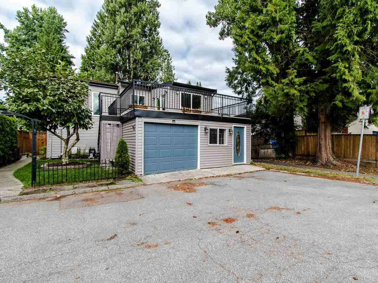 Main Photo: 3009 MAPLEBROOK Place in Coquitlam: Meadow Brook House for sale : MLS®# R2402491