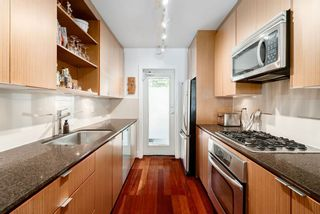 Photo 6: 3673 COMMERCIAL STREET in Vancouver: Victoria VE Townhouse for sale (Vancouver East)  : MLS®# R2375971