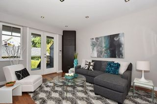 """Photo 3: 25 W 15TH Avenue in Vancouver: Mount Pleasant VW Townhouse for sale in """"CAMBIE VILLAGE"""" (Vancouver West)  : MLS®# R2065809"""