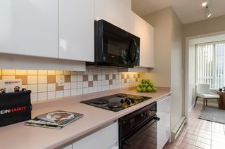 """Photo 12: 301 1566 W 13 Avenue in Vancouver: Fairview VW Condo for sale in """"Royal Gardens"""" (Vancouver West)  : MLS®# R2011878"""