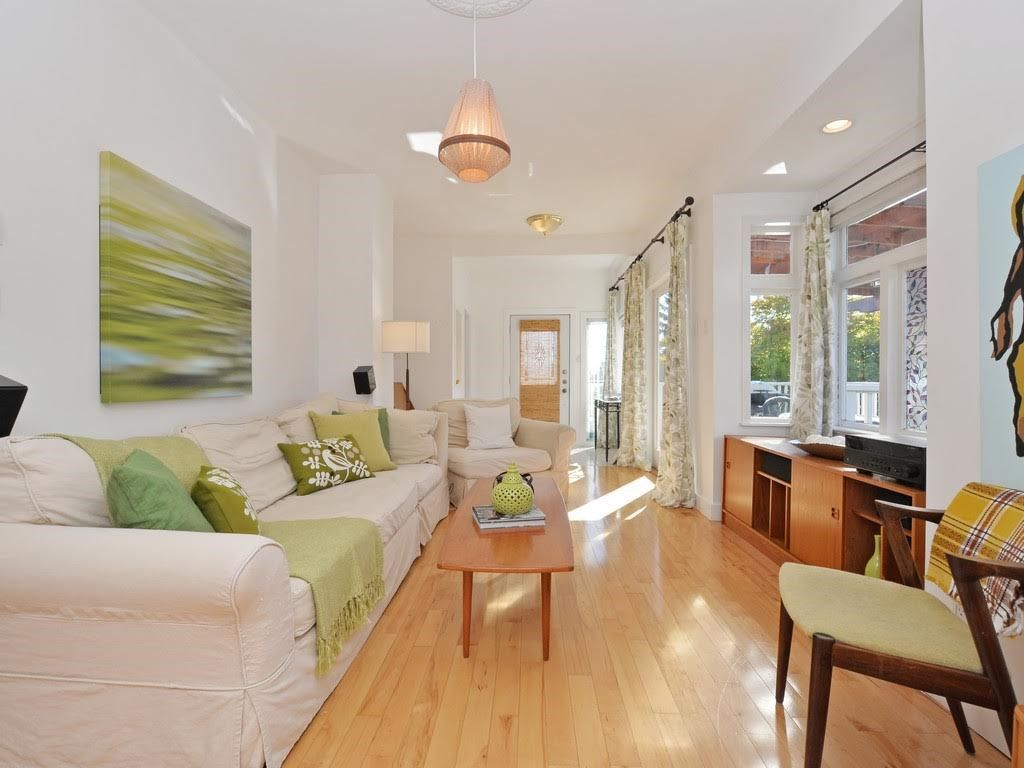 Photo 2: Photos: 728 E 7TH Street in North Vancouver: Queensbury House for sale : MLS®# R2114157