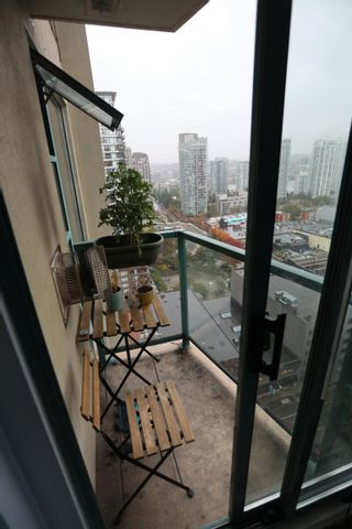 Photo 10: 2208 939 HOMER Street in Vancouver: Yaletown Condo for sale (Vancouver West)  : MLS®# R2619683