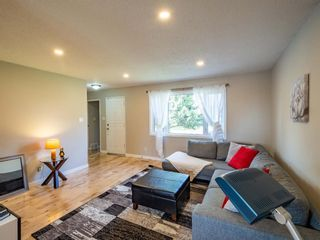 Photo 4: 6044 4 Street NE in Calgary: Thorncliffe Detached for sale : MLS®# A1144171