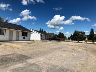 Photo 2: : Innisfail Hotel/Motel for sale : MLS®# C4272569