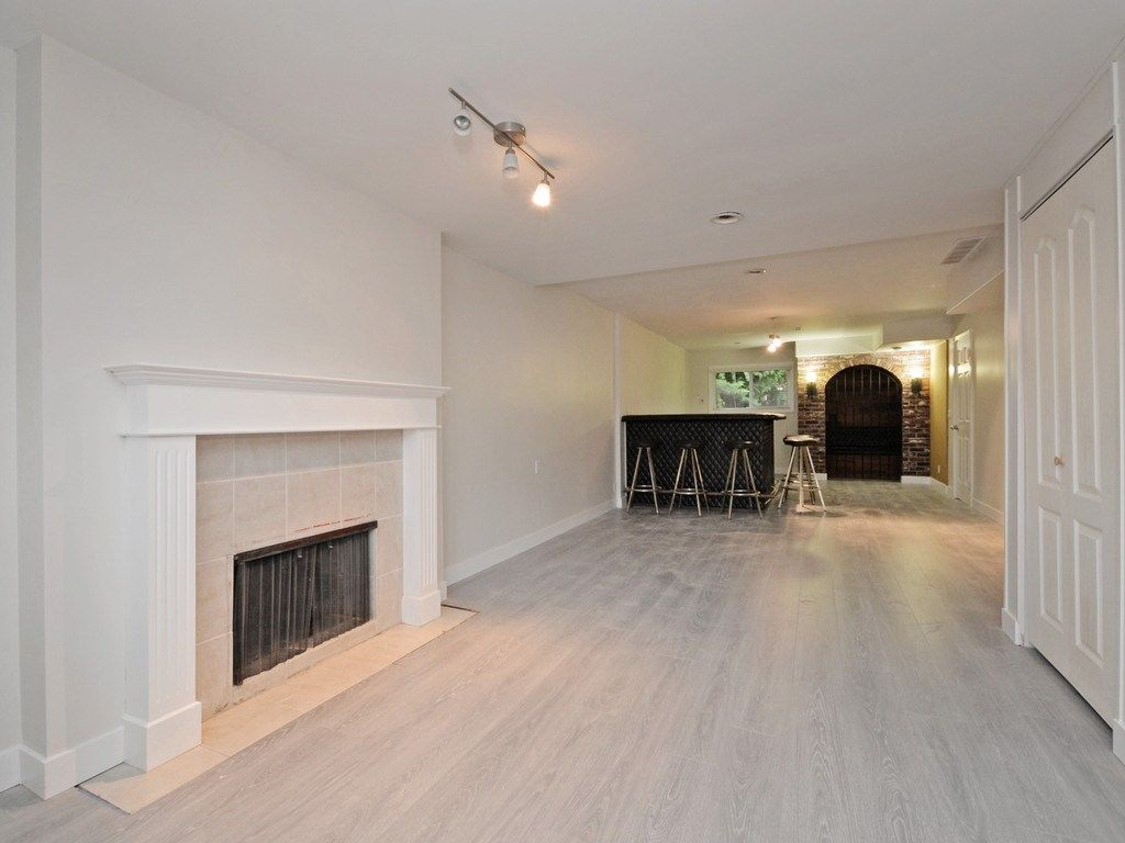 Photo 14: Photos: 3247 SAMUELS Court in Coquitlam: New Horizons House for sale : MLS®# R2219617