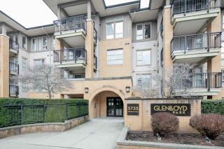 "Photo 1: 114 5725 AGRONOMY Road in Vancouver: University VW Condo for sale in ""GLENLLOYD PARK"" (Vancouver West)  : MLS®# R2343269"
