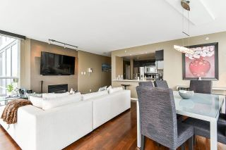 """Photo 10: 1902 1228 MARINASIDE Crescent in Vancouver: Yaletown Condo for sale in """"Crestmark II"""" (Vancouver West)  : MLS®# R2582919"""