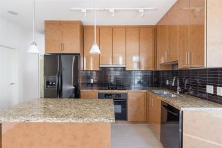 Photo 3: 1903 1189 MELVILLE STREET in Vancouver: Coal Harbour Condo for sale (Vancouver West)  : MLS®# R2354809