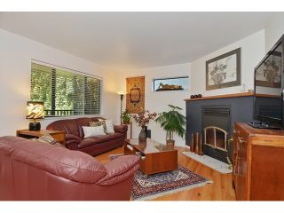 """Photo 2: 3256 FLEMING Street in Vancouver: Knight House for sale in """"CEDAR COTTAGE"""" (Vancouver East)  : MLS®# V1116321"""