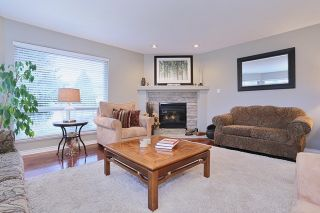 """Photo 3: 5748 168TH Street in Surrey: Cloverdale BC House for sale in """"RICHARDSON RIDGE"""" (Cloverdale)  : MLS®# R2024526"""