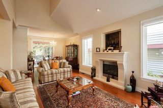 """Photo 4: 74 1701 PARKWAY Boulevard in Coquitlam: Westwood Plateau Townhouse for sale in """"Tango"""" : MLS®# R2562993"""