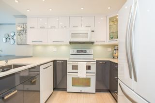 """Photo 2: 702 1270 ROBSON Street in Vancouver: West End VW Condo for sale in """"ROBSON GARDENS"""" (Vancouver West)  : MLS®# R2534930"""