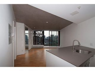 "Photo 2: 2109 128 W CORDOVA Street in Vancouver: Downtown VW Condo for sale in ""Woodwards W43"" (Vancouver West)  : MLS®# V1079911"