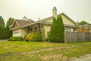 Photo 28: 17387 60 Avenue in Surrey: Cloverdale BC House for sale (Cloverdale)  : MLS®# R2500278