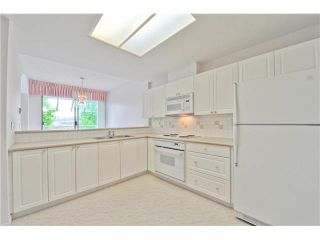 """Photo 5: 412 1785 MARTIN Drive in Surrey: Sunnyside Park Surrey Condo for sale in """"SOUTHWYND"""" (South Surrey White Rock)  : MLS®# F1419891"""
